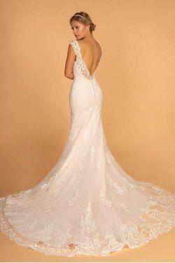 e1f2f6fea50a Brudekjole med et smukt slæb