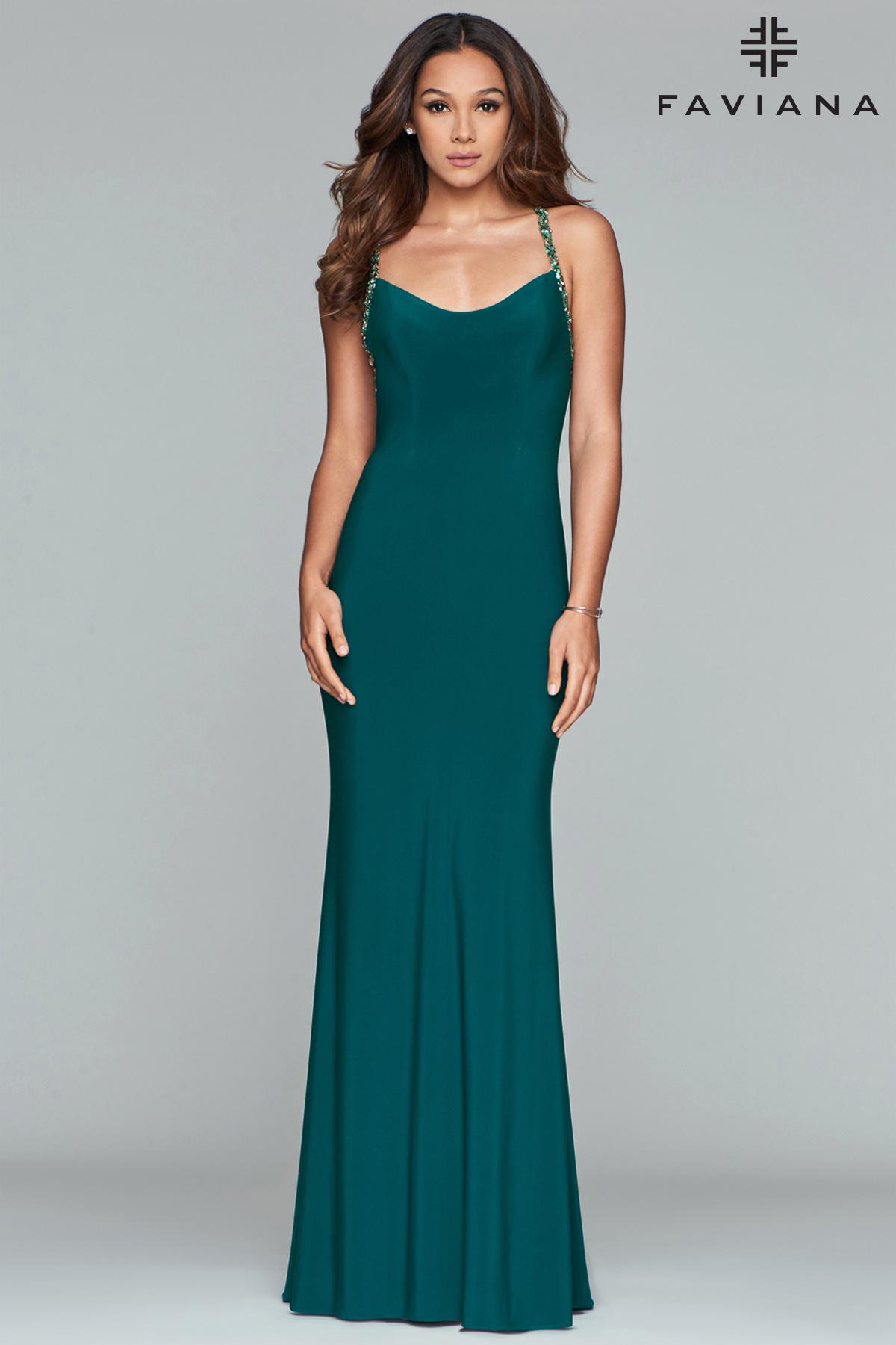 3a25b0837fe5 Grøn festkjole med åben ryg - Faviana 2019 - tp kjoler